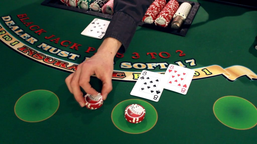 Flush = Making a side bet doesn't affect your main wager at all.However, as you can see, a successful bonus win could help take your blackjack profits to the next level.So, if you're looking to win more during your quest for the sacred total of 21, you need to try Blackjack 21+3.Yazıkonak